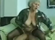 60 jährige Oma will es nochmal wissen