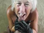 80 jährige Oma liebt blasen
