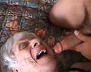 90 jährige Oma gefickt
