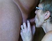 Alte Brillenschlange mag Oralverkehr