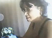 Alte Brillenschlange vor der Webcam