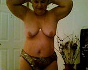 Alte Schnalle vor der Oma Webcam