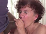 Amateur Granny und der Riesenschwanz