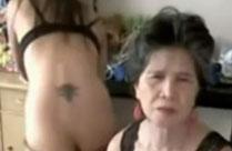 Oma macht Webcamsex mit der Enkelin
