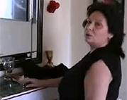 BBW Oma masturbiert vor Kamera