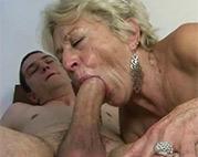 Blowjob von der Oma Schlampe