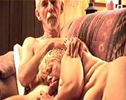 Darla lutscht Opas Pimmel