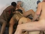 Deutsche Sex Orgie imWohnzimmer