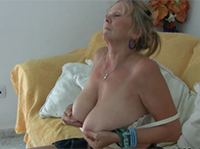 Dickbusige Granny macht dich heiß