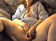 Dicke Hausfrau beim Dildo Fick