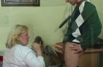 Verfressene Oma will geilen Sex