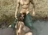 Granny bläst im Oma Outdoor Porno