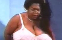 Extrem fette und lesbische schwarze Oma