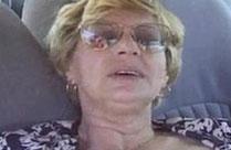 Oma befriedigt sich selbst