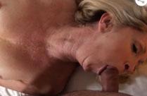 Alte Frau bewirbt sich beim Pornofilm