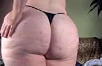 Oma hat einen geilen grossen Arsch