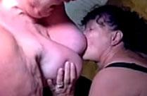 Zwei fette perverse Omas in Aktion