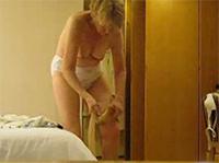 Geile Oma im Hotel heimlich beobachtet