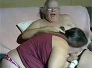 Geiler Opa will gelutscht werden