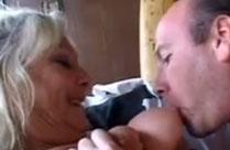 Geile Grossmutter in den Arsch gefickt