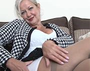 Heiße britische Oma verführt dich
