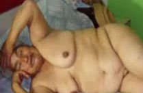 Nackte Omas mit fetten Fotzen
