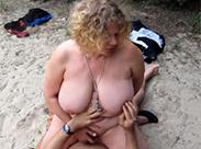 Milf ficken am Strand
