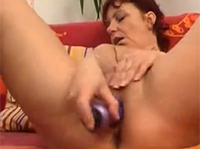Oma masturbiert in Oldie Dildo Compilation