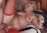 Nackt am strand fotos