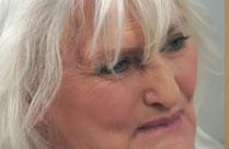 Oma und ihr neuer, schwarzer, junger Stecher