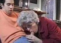 Oma ist sexsüchtig