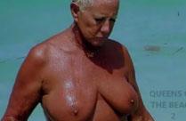 Oma Nudisten Porno mit geilen Weibern
