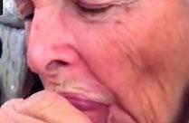 Oma schluckt gerne Opas Schwanz