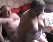 Opa und Oma heimlich gefilmt