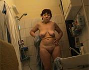 Russische Oma privat in Dusche