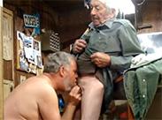 Schwule Opas beim Oralsex