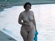 Sexy Mature Schlampe am Strand