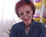 Versaute Webcam mit dürrer Omi